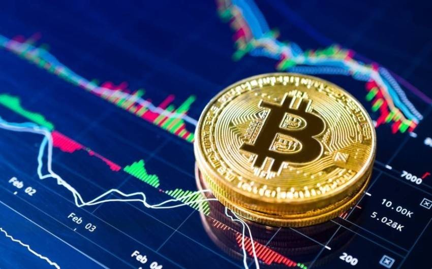 """Will Bitcoin continue to make more gains? """"Bitcoin"""", the most valuable cryptocurrency in the world, returned to rise after obtaining a prominent new supporter, as it found support to rise to about 55,000 dollars, after news that the investment company founded by billionaire George Soros owns Bitcoin."""