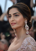 Sonam Kapoor looks stunning in Cannes 2017 037.jpg