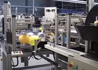 Maschine zum bedrucken von Werbeballons.