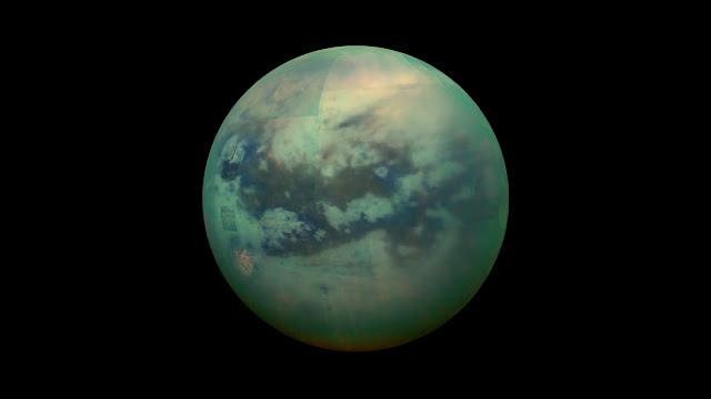 Vệ tinh Titan của Sao Thổ được chụp bởi tàu thăm dò Cassini vào tháng 11 năm 2015. Hình ảnh: NASA.