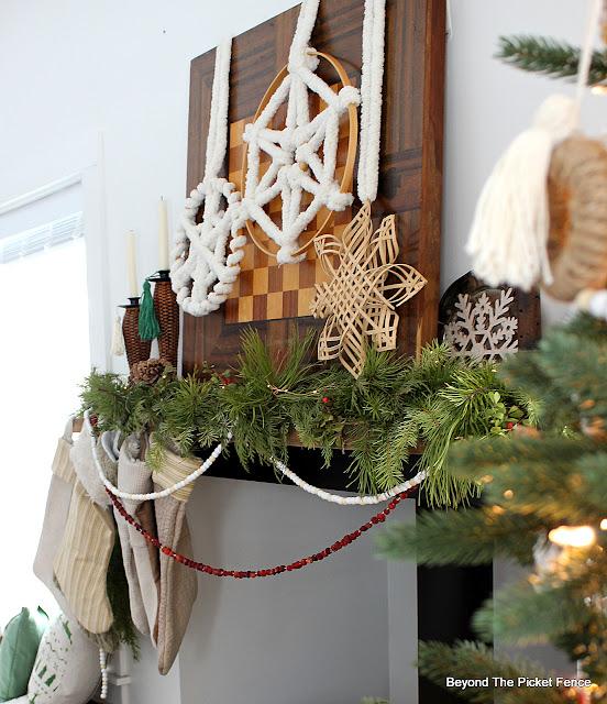 DIY-Christmas-Pine-Garland