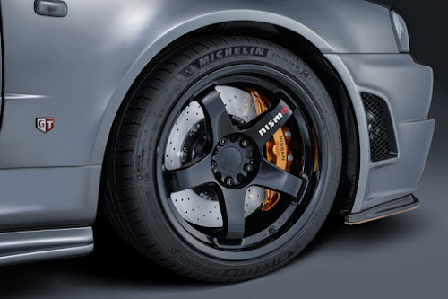 R35 GT-R brakes on Nismo CRS R34 GT-R