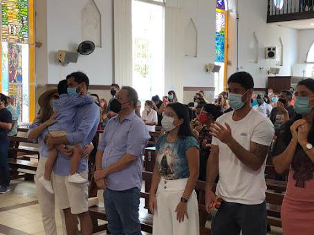 Nesse domingo, Roberto Rocha esteve na Igreja de São José de Ribamar, agradecendo pela saúde do seu filho!!!