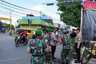 Dandim Lobar Bersama Kapolres Mataram Cek Kesiapan Pos Pam Operasi Ketupat Gatarin