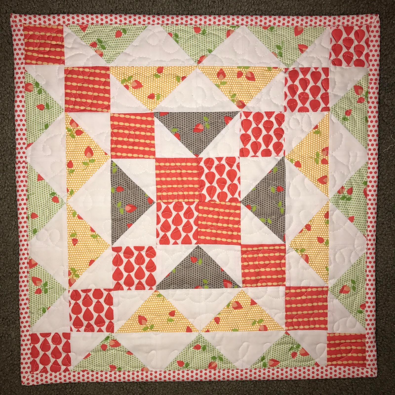 Neverlandstitches : The beginning and a Mini Quilt Pattern