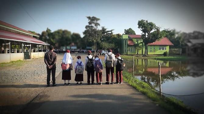 Pengalaman Pertama Kali Athifah Terlambat Upacara di Sekolah