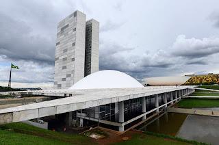 PEC que adia eleições municipais será votada na terça-feira