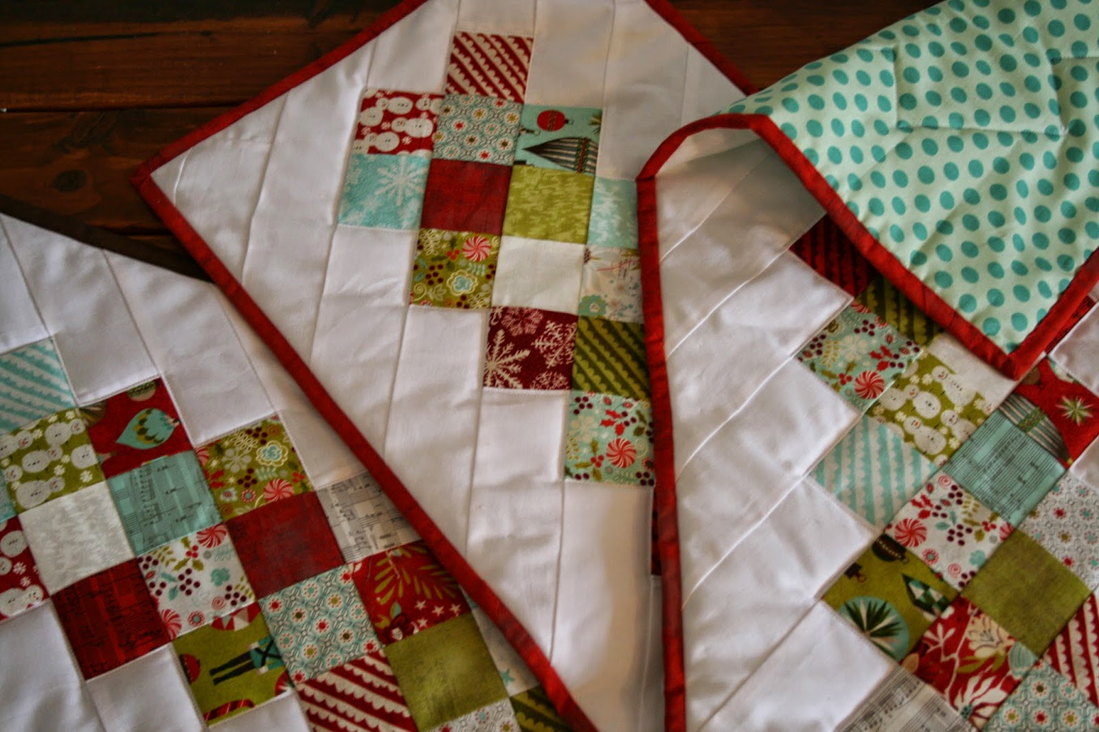 Fly away quilts table runner pattern for Table design patterns