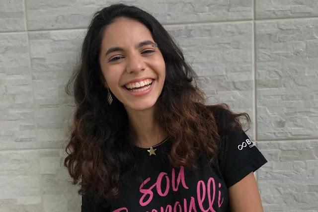 'Ler faz diferença', diz aluna de BH dona de redação nota 1.000 no Enem