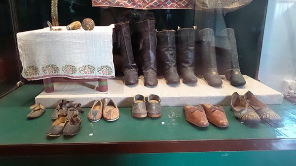 Обувь из сафьяна