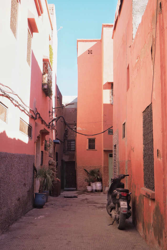 Petites rues de la Médina de Marrakech au Maroc
