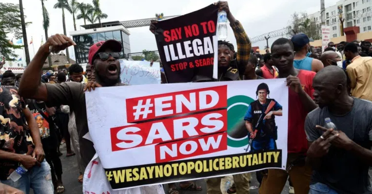 #EndSARS Peaceful Protesters Setup Emergency Helpline To Tackle Medical, Food Related And Legal Issues