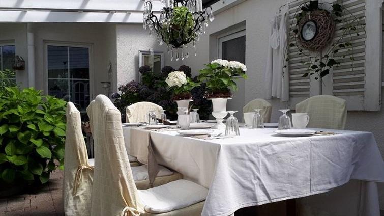 Dinner en blance - Garten in Weiß