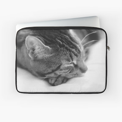 laptop sleeve with tabby cat sleeping cover