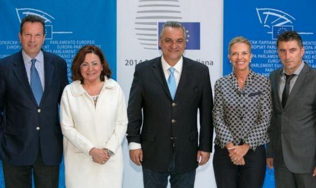 Με την ψήφο οκτώ Ελλήνων ευρωβουλευτών η «φέτα made in Canada»!
