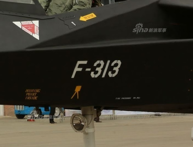 ايران تجري تجارب على الطائره  Qaher-313 تحضيرا لطيرانها التجريبي الاول  - صفحة 2 Iranian%2Bstealth%2Bfighter%2B-%2BPhantom%2BPhantom%2B17