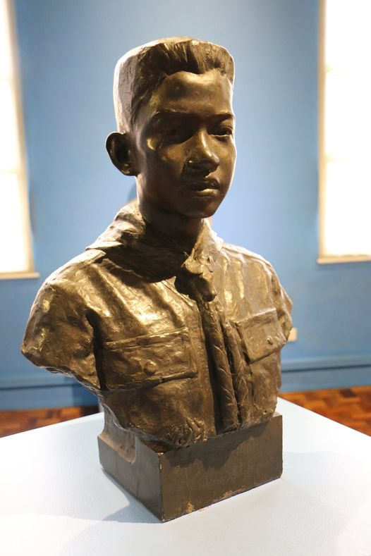 bust of First Class Scout Roberto Corpus Castor of the Quezon City Boy Scout Council