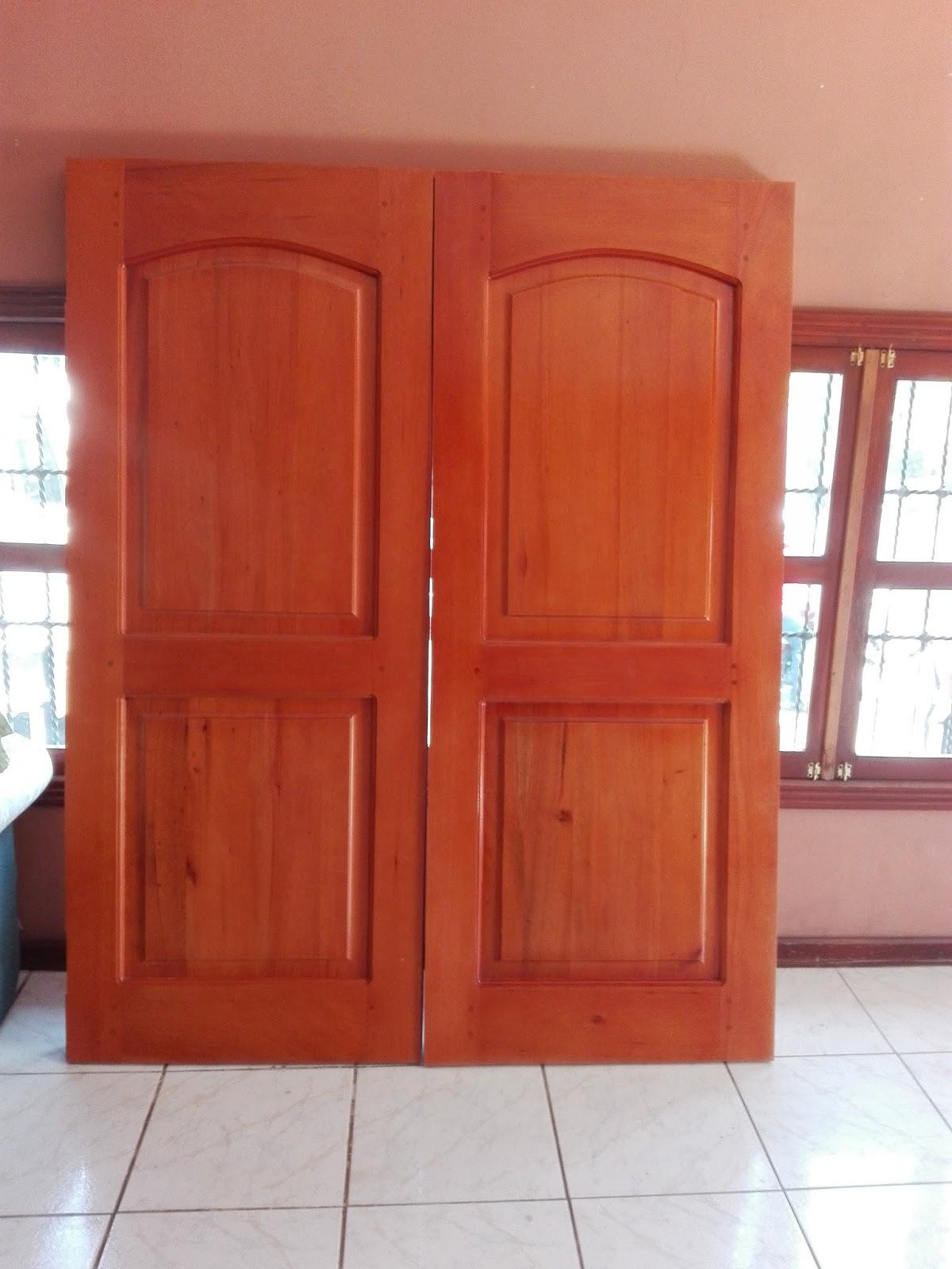 Puertas de madera s lida lolo morales furniture for Puertas madera a medida