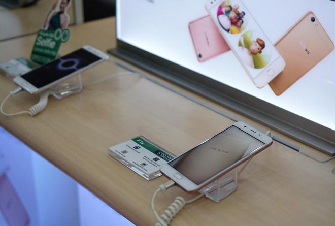 Thị trường di động VN – Đâu rồi HTC, Sony?