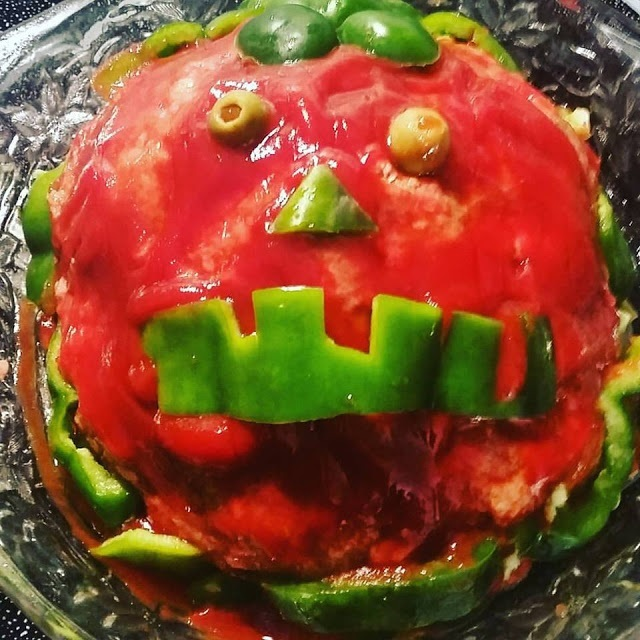 halloween meatloaf pumpkin