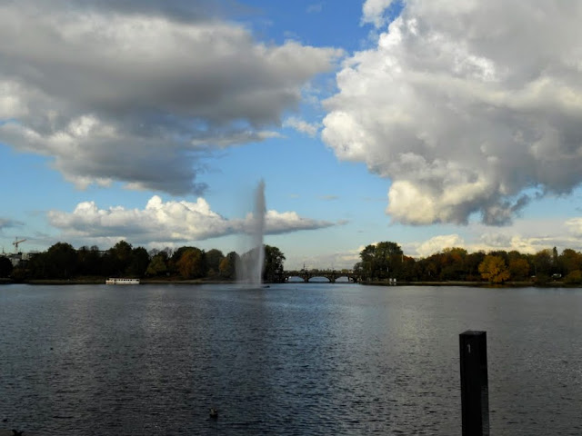 What to do in Hamburg: Take a walk around Außenalster