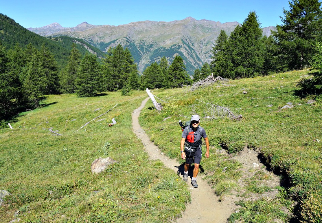 Trail above tree line to Col d'Urine