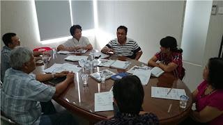 rapat mingguan
