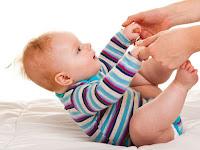 Kapan Bayi Bisa Duduk? Latihlah Saat Berusia 4-6 Bulan