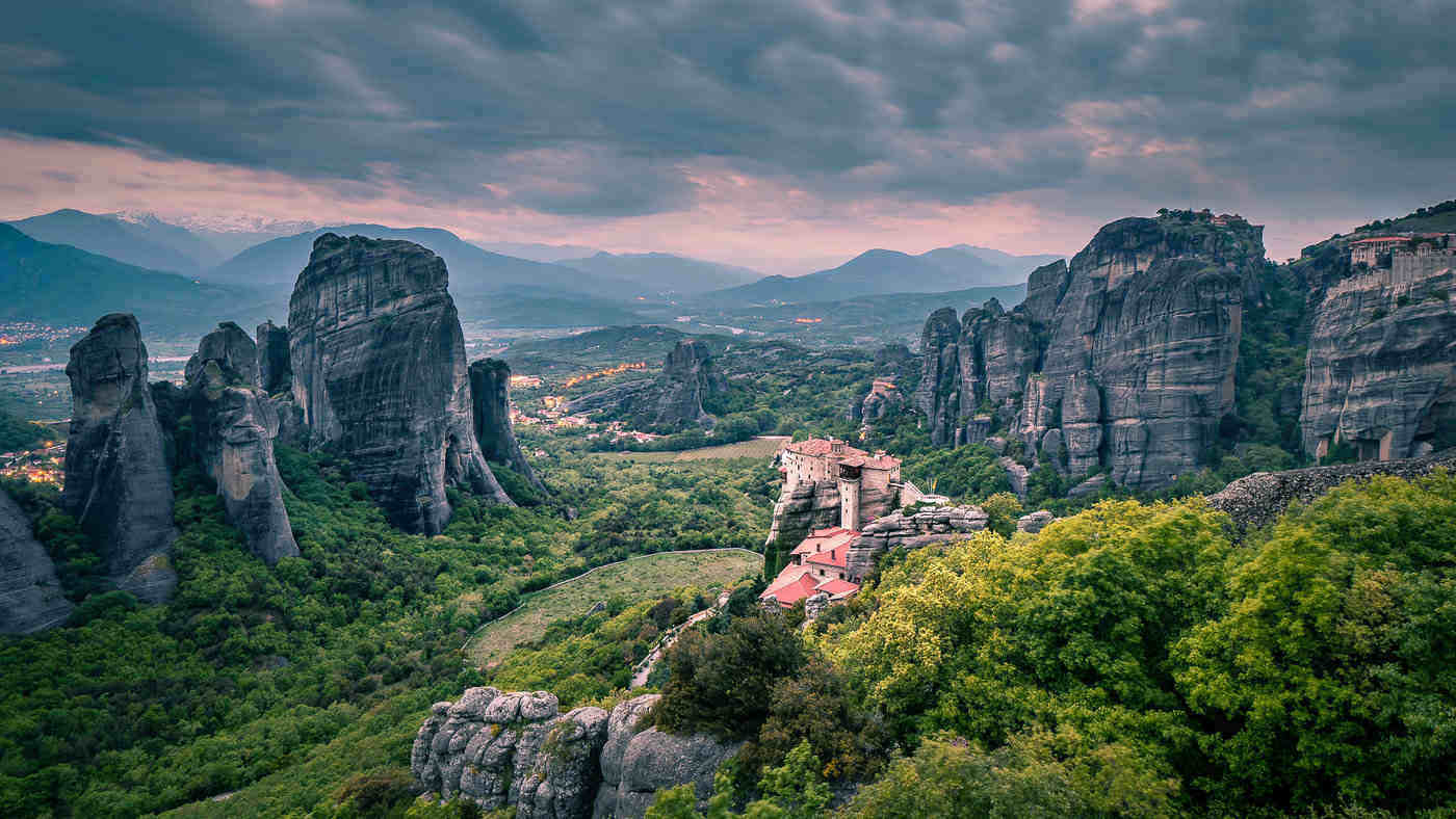 meteora - 20 best things to see and do around the world