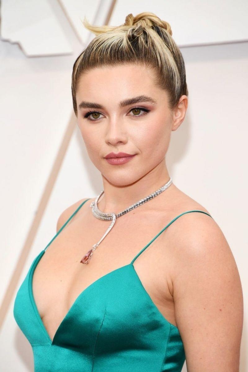Florence Pugh – Oscars 2020 Red Carpet