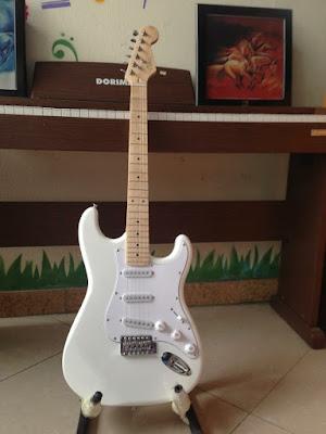 Bán Đàn guitar điện Vines (Trắng) Chính Hãng, Giá Tốt Tphcm