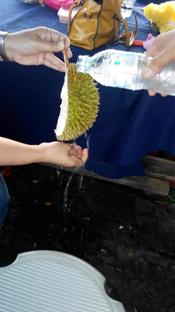Tips untuk menghilangkan Bau Durian Di Tangan Selepas makan
