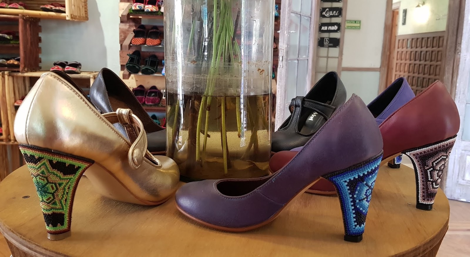 Zapatos con tacos artesanía de Manuel Sekkel para Fusión Casa de Diseñadores