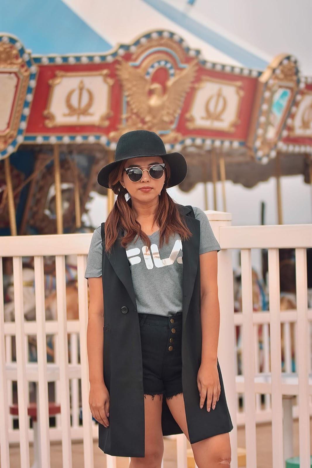 Festival Mood by Mari Estilo -coachella-festival season-sheinfestival-black shorts-desierto-fashionblogger-travel-music festival-