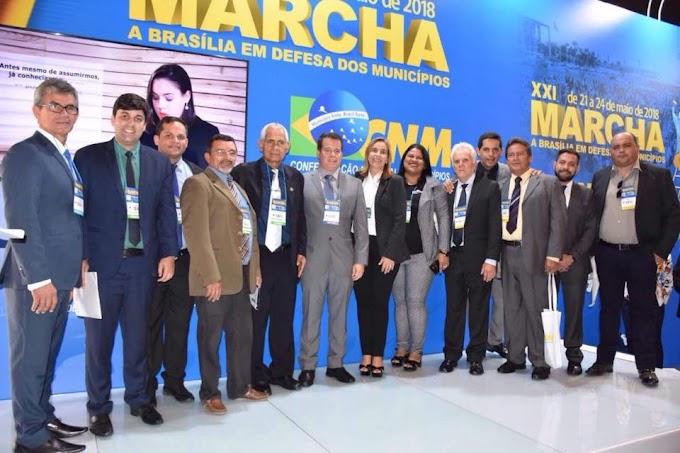 Vereadores de Santa Cruz do Capibaribe marcam presença na Marcha a Brasília e visitam gabinetes de autoridades