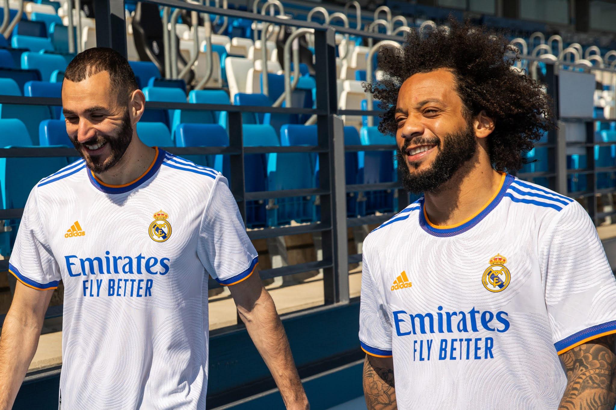real-madrid-2021-2022-kits-and-logo-dream-league-soccer-2021-kits