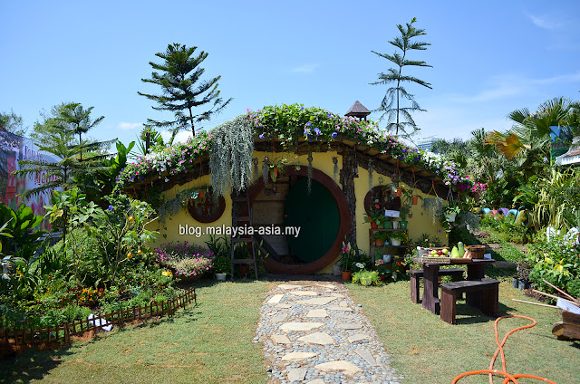 Hobbiton at Royal Floria 2015