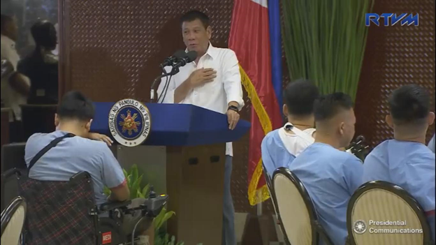 Duterte honors wounded soldiers at Palace Dinner