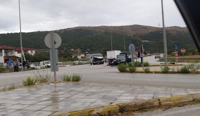 Σφοδρή σύγκρουση οχημάτων πριν λίγο στο Καρτέρι Θεσπρωτίας