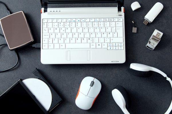5 Jenis Aksesoris Laptop Ini Wajib Kamu Miliki, Mau Tahu Apa Saja?