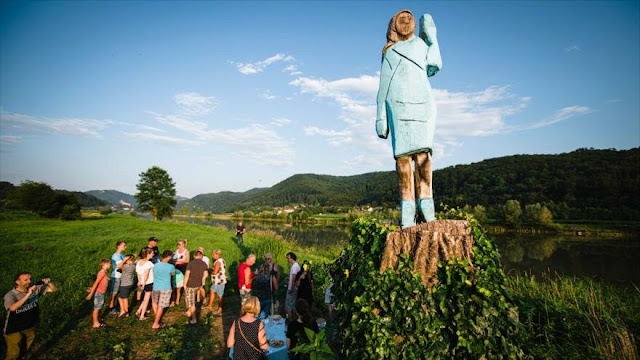 ¿Estatua o espantapájaros? La ridícula escultura de Melania Trump