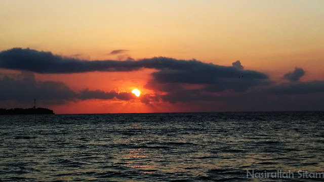 Sinar sunrise merekah di pagi ini