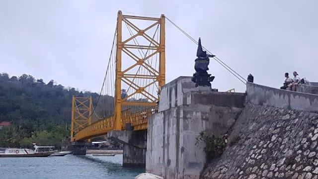 Jembatan Kuning Lembongan
