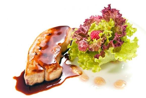 Gan ngỗng béo món ăn xa xỉ ở Việt Nam, lại bị cấm ở Mỹ