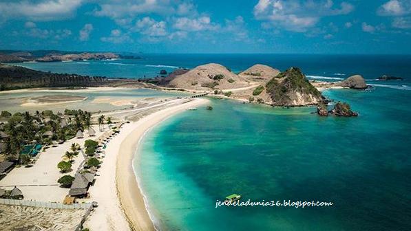 Mengeksplor Pantai Seger, Pantai Yang Sangat Indah Akan Alamnya | Pesona Indonesia