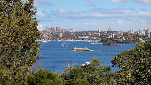 Taronga zoo images: Sydney harbour views