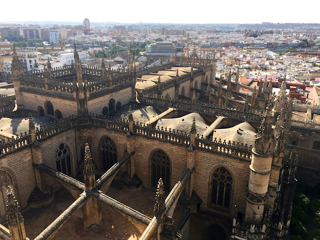 Katedra i Giralda w Sevilli