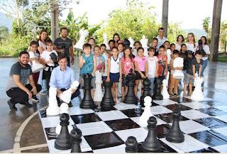 Projeto Xadrez nas Escolas é implantado na rede municipal e estimula raciocínio lógico dos alunos