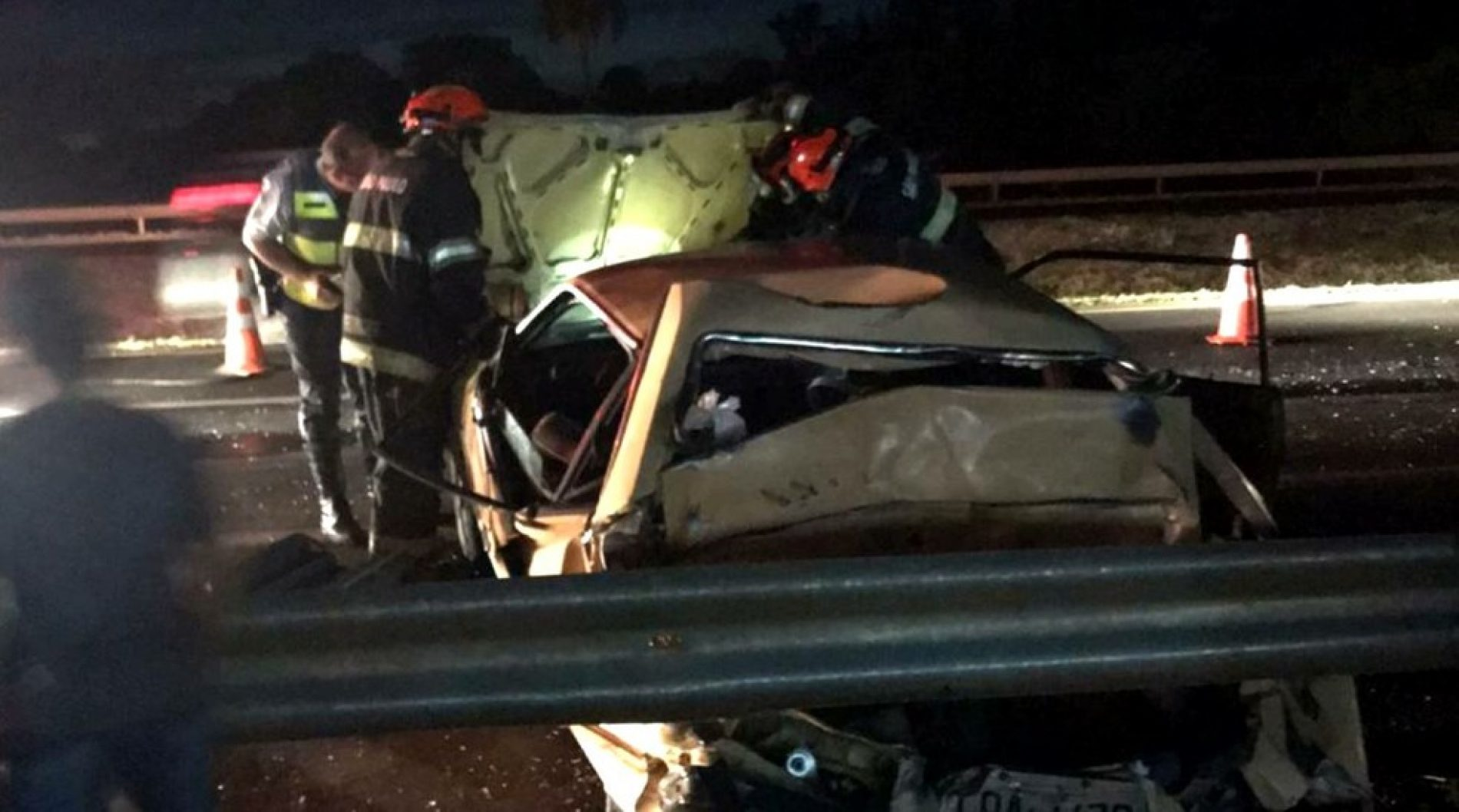 Bebê de seis meses morre em acidente entre carro com 8 pessoas e caminhão em Barretos