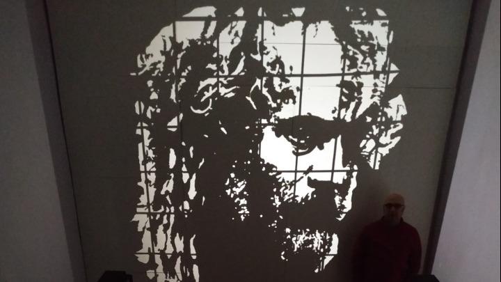 Ξάνθη: Το lockdown μέσα από την τέχνη της σκιάς του Τριαντάφυλλου Βαΐτση